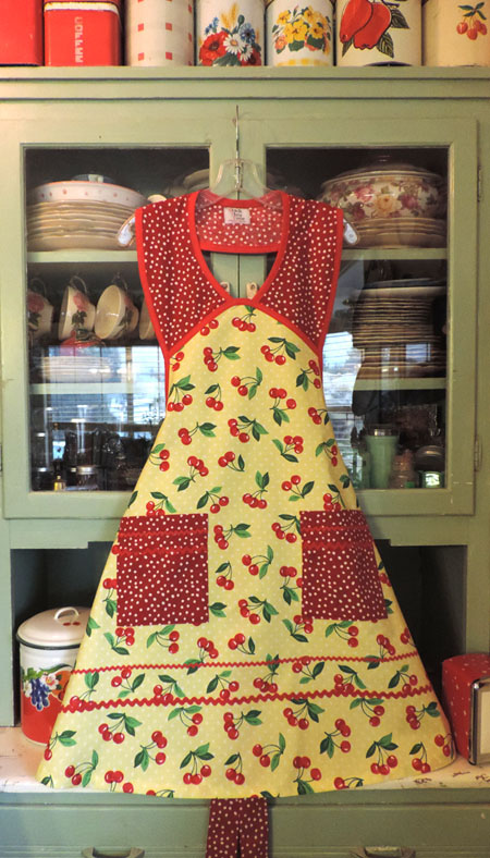 1940 Cherry with polka dots