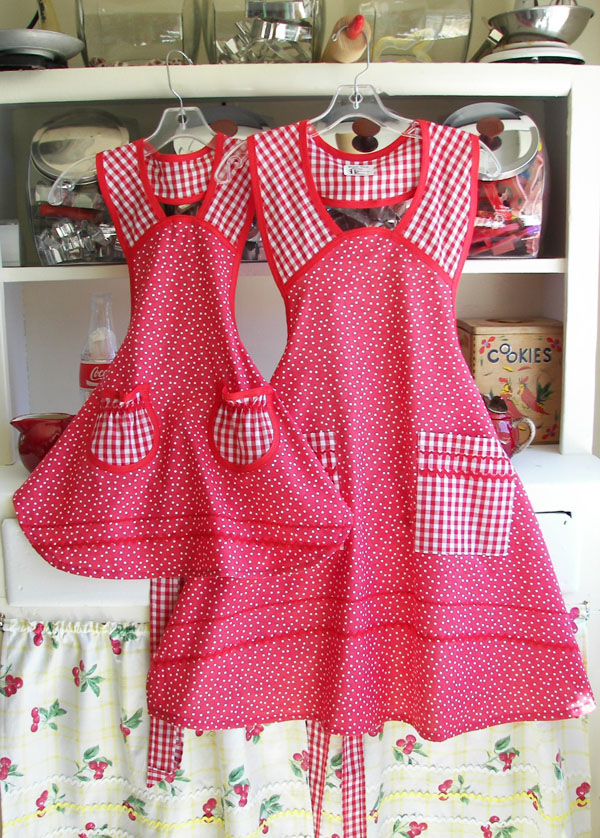 1940 red polka dot apron