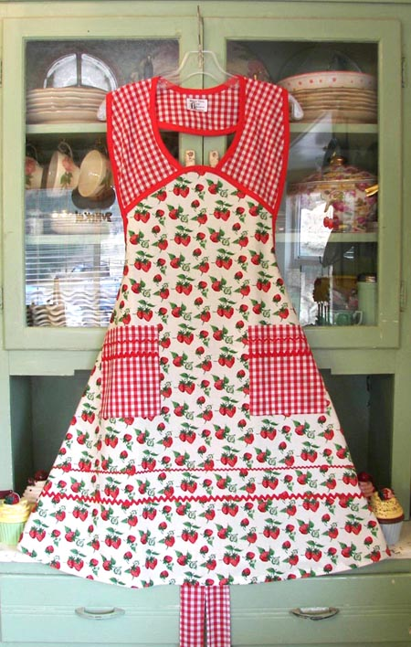 1940 in Strawberry Red gingham