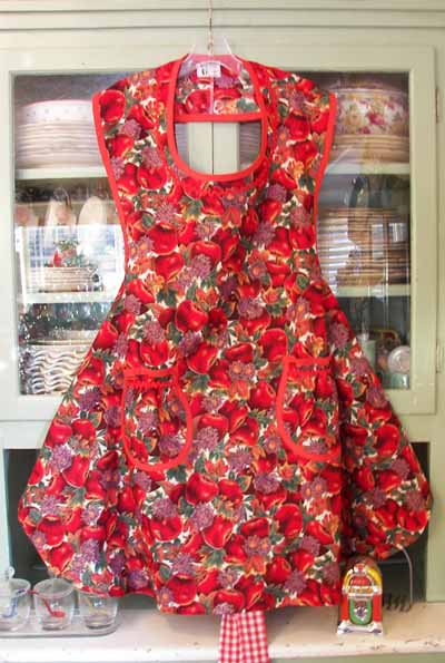 Fashioned Dresses  Aprons on Mother Daughter Aprons