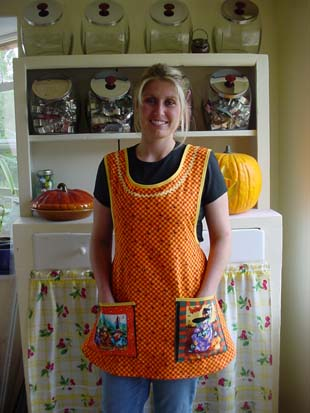 Hokus Pokus Halloween Apron, click for larger view